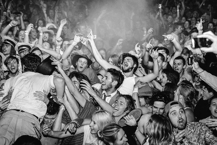 Winston Marshall crowd surfing. Australia 2012.
